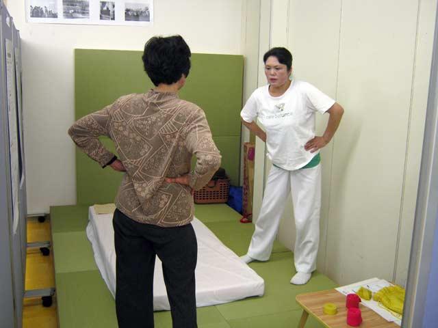 カイロプラクティック 骨盤体操をコーチング