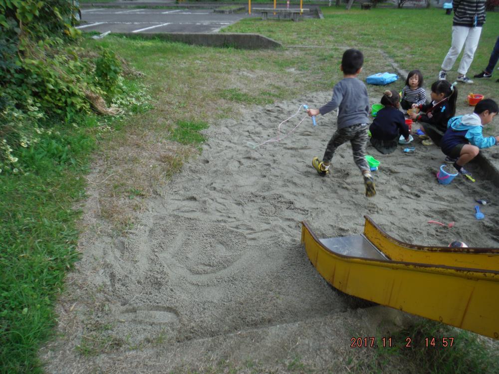公園砂補充2
