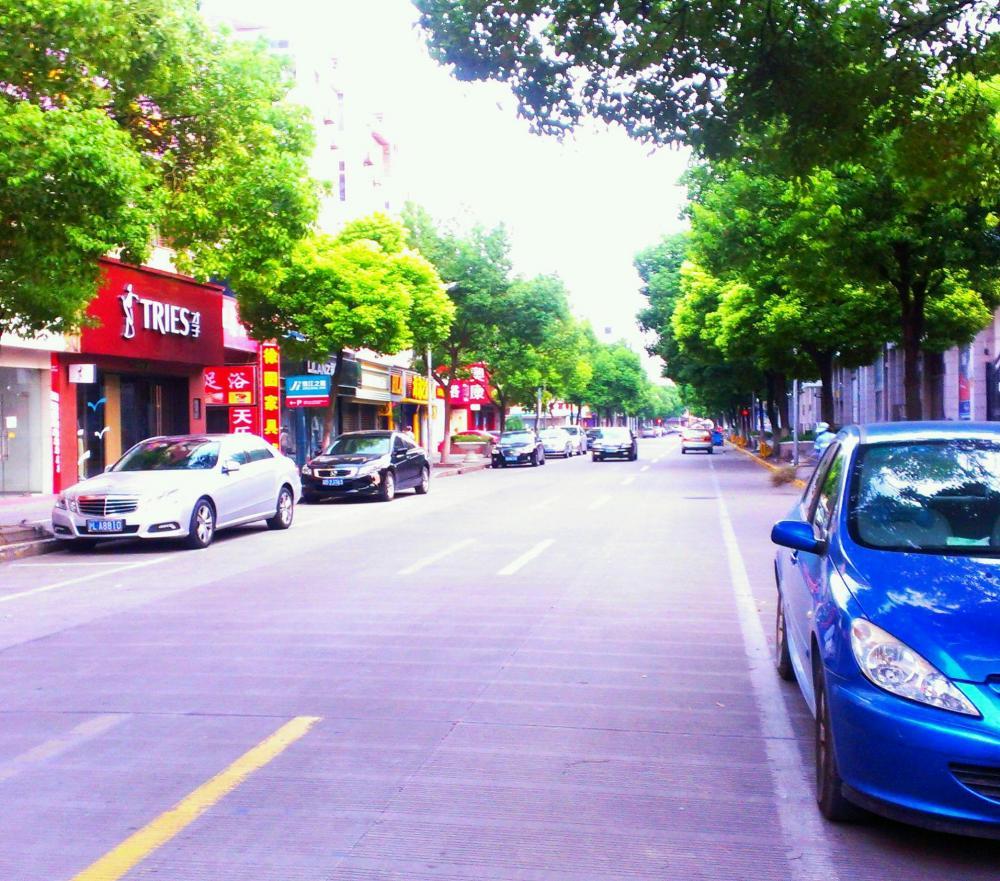 上海南翔店前通り