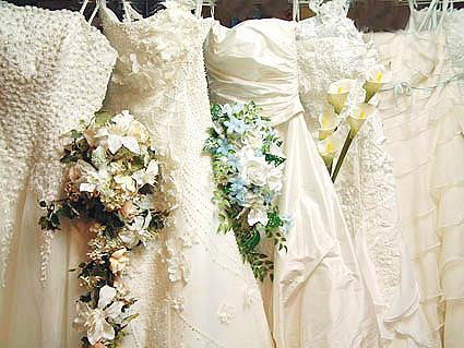 純白のウェディングドレス