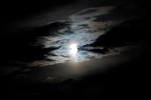 ある夜の月