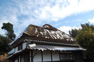藁葺き屋根の1月