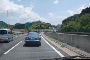 高速道路渋滞中!