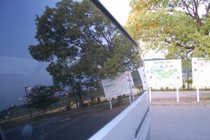 車の窓で景色を・・